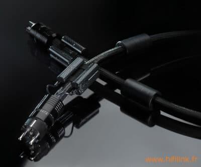 esprit gaia cable secteur fond noir